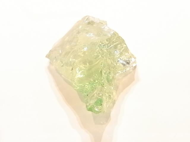 GA00047F 天然アンダラクリスタル(蛍光ライムグリーン) シャスタ産