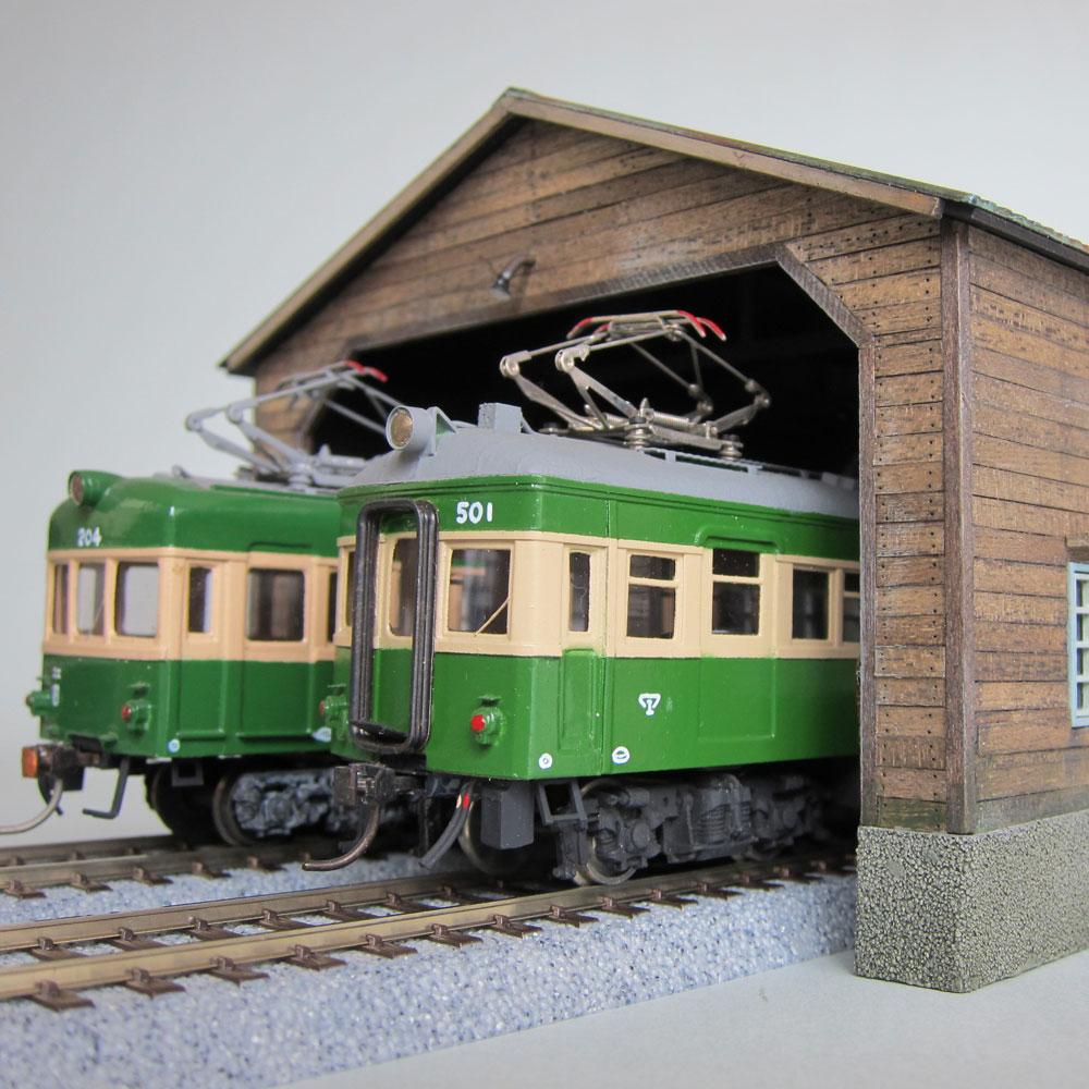 地鉄の木造2線車庫 :匠ジオラマ工芸舎 塗装済完成品 HO(1/80)