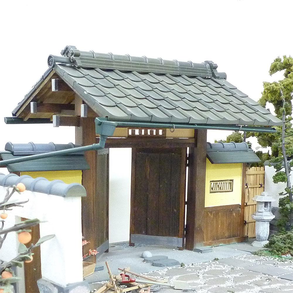 日本瓦 鬼瓦(雲形)+巴瓦 各2個入り :フジヤ 未塗装キット 1/12スケール 101