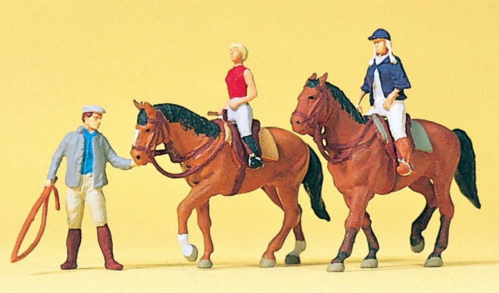 乗馬訓練 :プライザー 塗装済完成品 HO(1/87) 10502