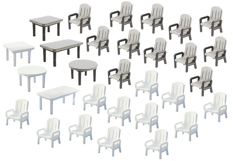 中庭のテーブル6卓、椅子24脚 :ファーラー 未塗装キット N(1/160) 272441