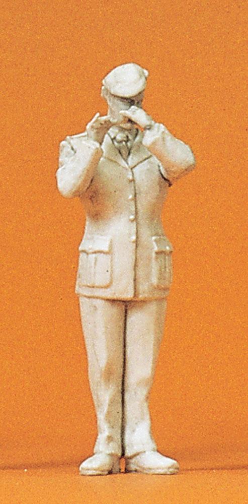 軍楽隊の女性ピッコロ奏者 :プライザー 未塗装キット 1/35 64371