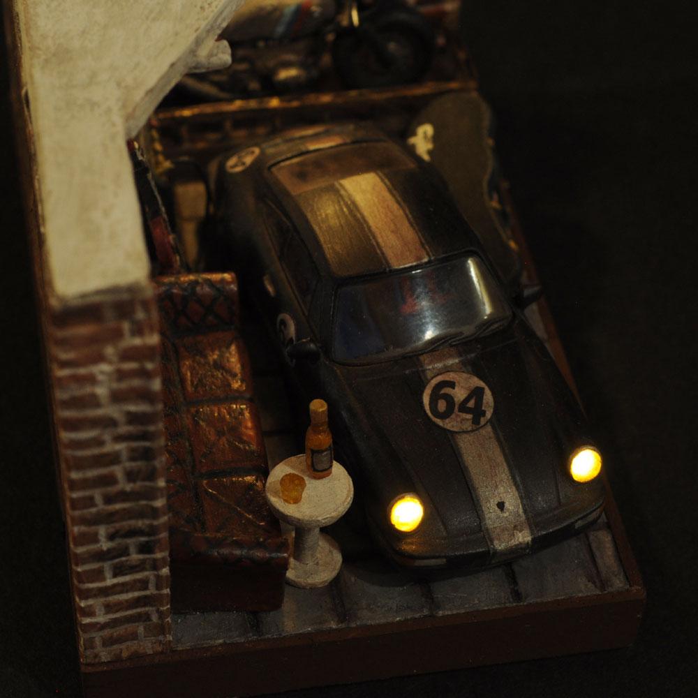 情景箱「半地下の隠れ家」 :川田崇司 塗装済完成品 1/64