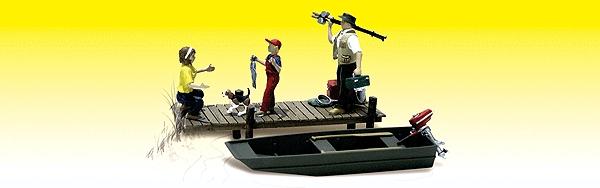 ボートで釣りを楽しむ家族 :ウッドランド 塗装済完成品 N(1/160) 2203