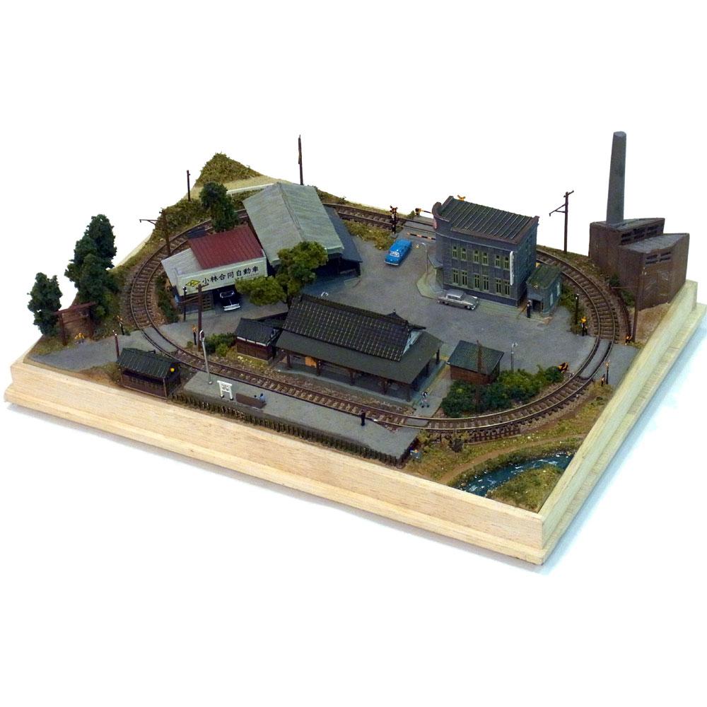 少年時代の残影「地方の小さな都市」 :釣巻崇 塗装済完成品 N(1/150)
