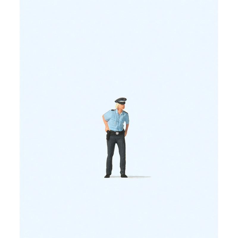 女性警察官 :プライザー 塗装済完成品 HO(1/87) 28237