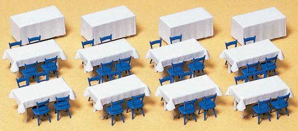 テーブルクロス付きのテーブル :プライザー キット HO(1/87) 17219