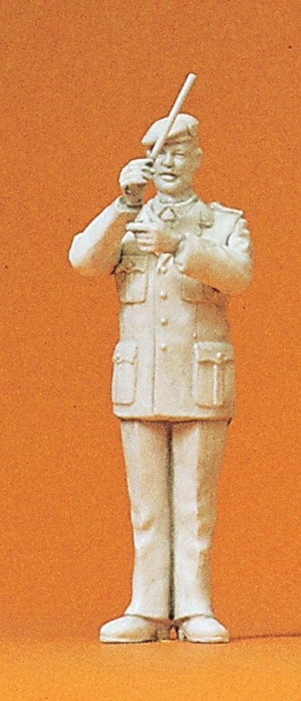 軍楽隊の指揮者 :プライザー 未塗装キット 1/35 64351