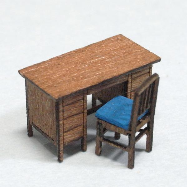木製両袖机キット 椅子付き :さかつう 未塗装キット HO(1/87) 1404