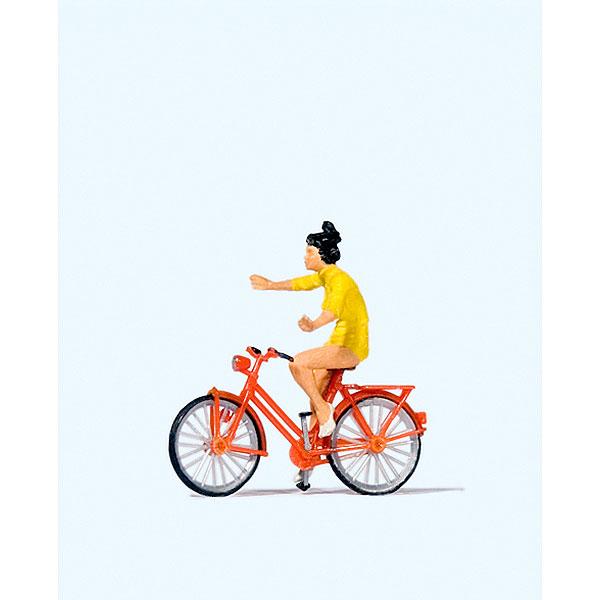 手放し運転の自転車の女性 :プライザー 塗装済完成品 HO(1/87) 28181