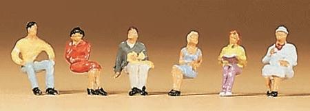 座っている人たち :プライザー 塗装済完成品 N(1/160) 79013