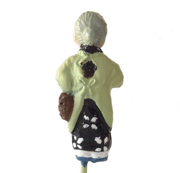 さかつう人形シリーズまなべコレクション 買い物をするおばさん :さかつう 塗装済完成品 HO(1/87) 7509