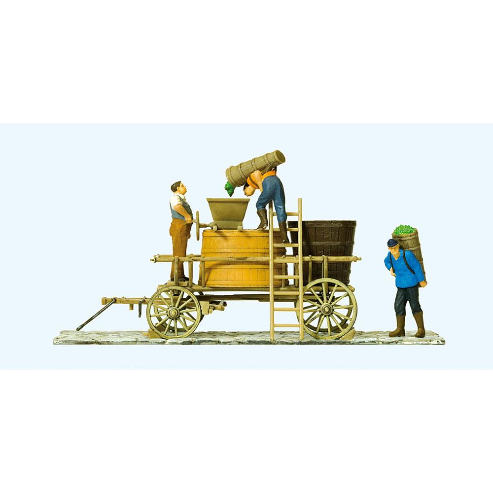 ワイナリーの男たちとぶどうを積んだ荷車 :プライザー 塗装済完成品 HO(1/87) 30398