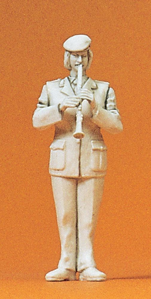 軍楽隊の女性クラリネット奏者 :プライザー 未塗装キット 1/35 64367