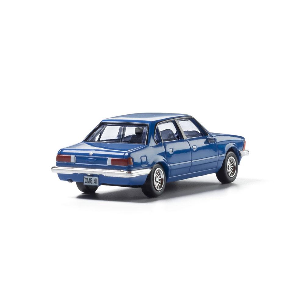 【模型】 セダン(ブルー) :ウッドランド 塗装済完成品 HO(1/87) AS5363