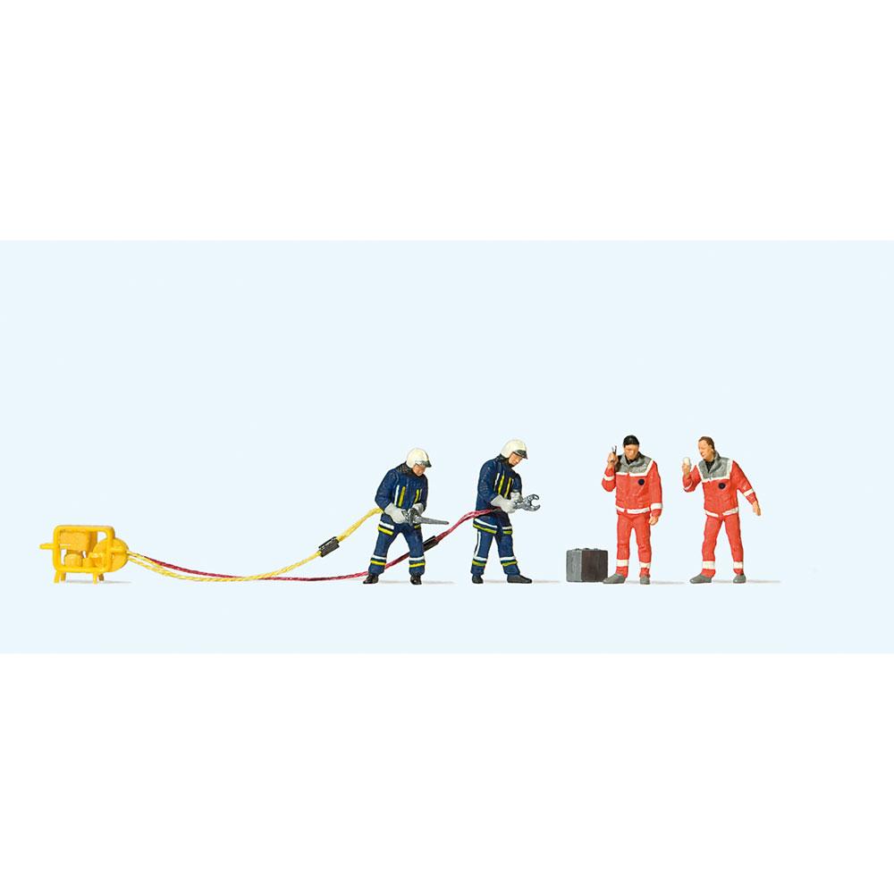 救助活動を行う消防隊員 :プライザー 塗装済完成品 HO(1/87) 10625