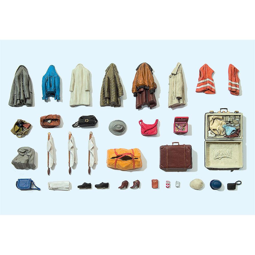洋服、靴、鞄、小物セット :プライザー 未塗装キット 1/22.5 45223