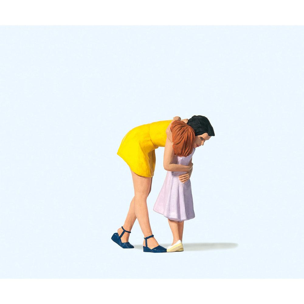 子供を抱きしめる人 :プライザー 塗装済完成品 1/22.5 44942