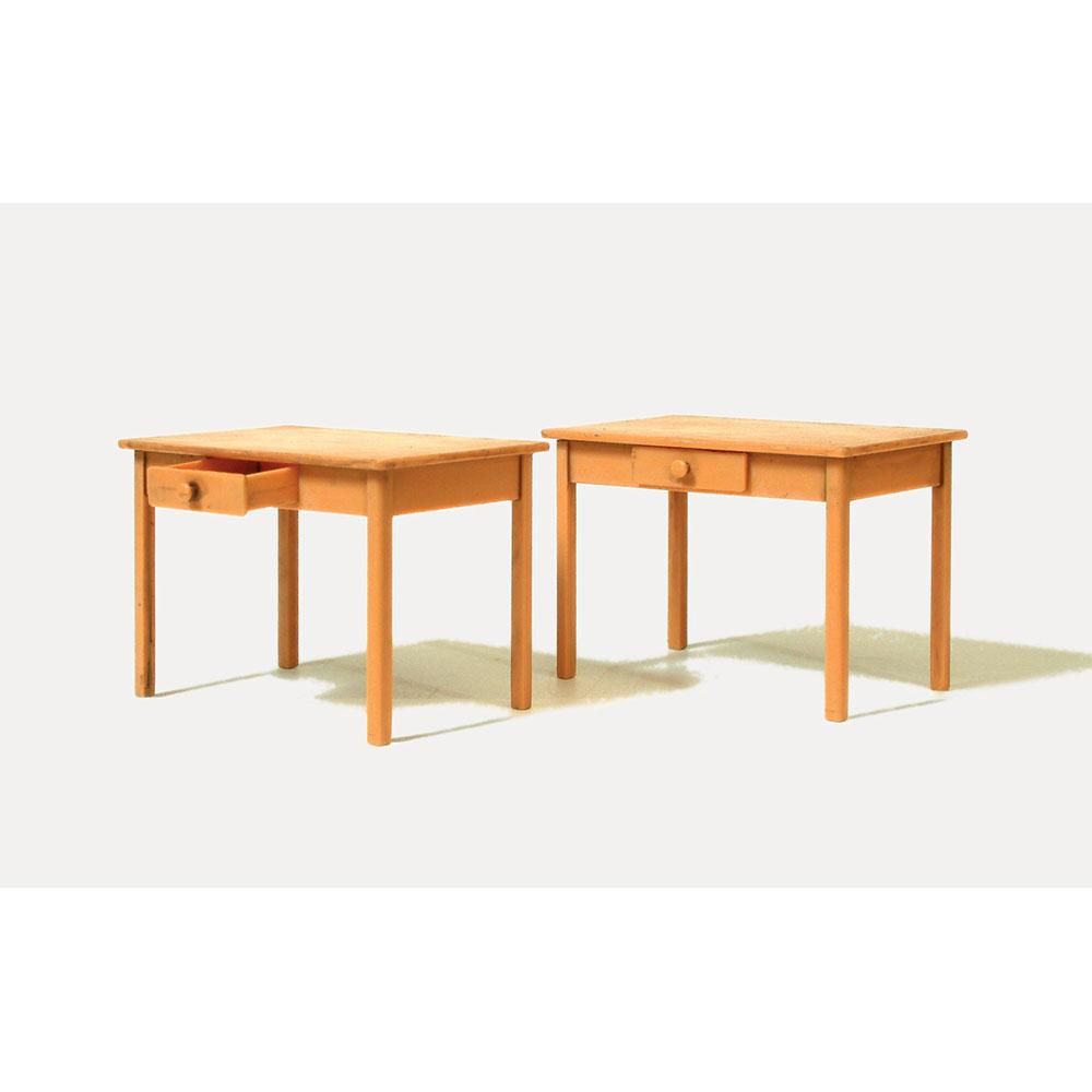 テーブル(机) 2脚セット :プライザー 未塗装キット 1/22.5 45220