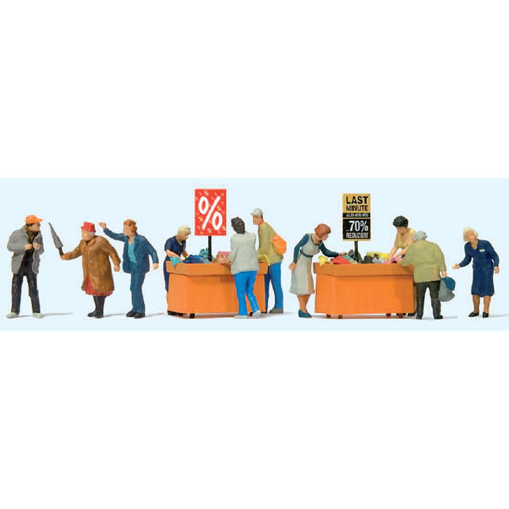バーゲンセールのお客と店員 :プライザー 塗装済完成品 HO(1/87) 10647