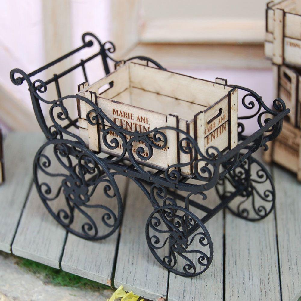 アイアンベビーカー&木箱(黒) :コバーニ 未塗装キット 1/12 IF-003