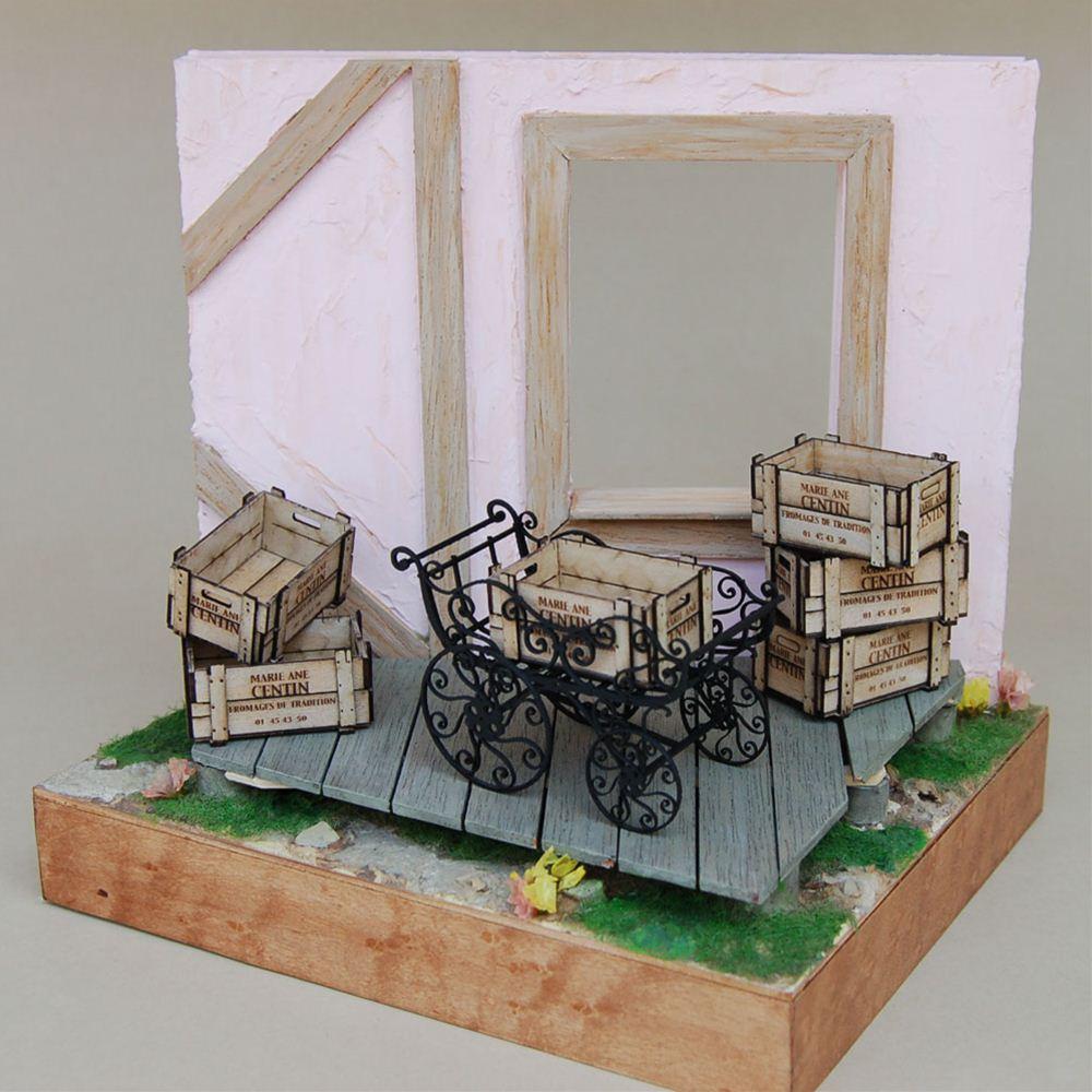 アイアンベビーカー&木箱(白) :コバーニ 未塗装キット 1/12 IF-005