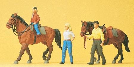 乗馬する人たち :プライザー 塗装済完成品 HO(1/87) 10500