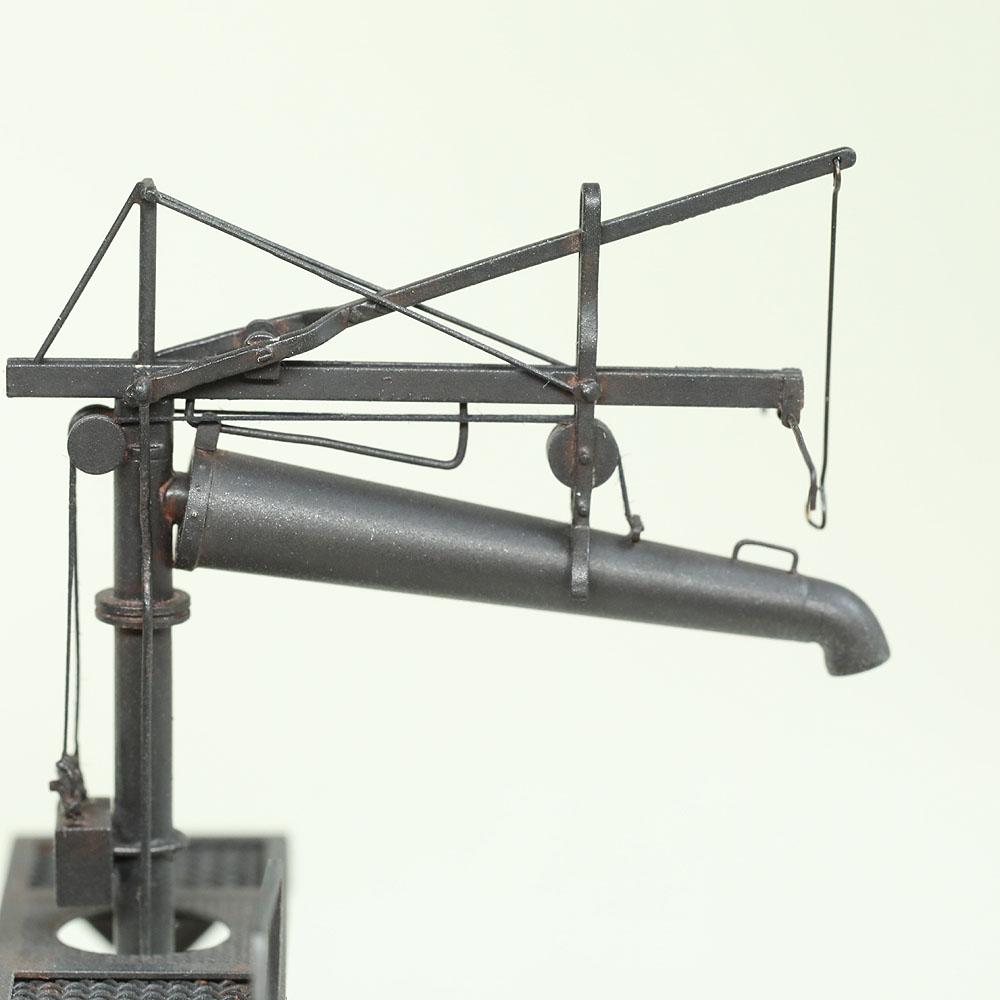 給水柱 作業台付き 黒 :工房ナナロクニ 塗装済完成品 1/80(HO) 1080