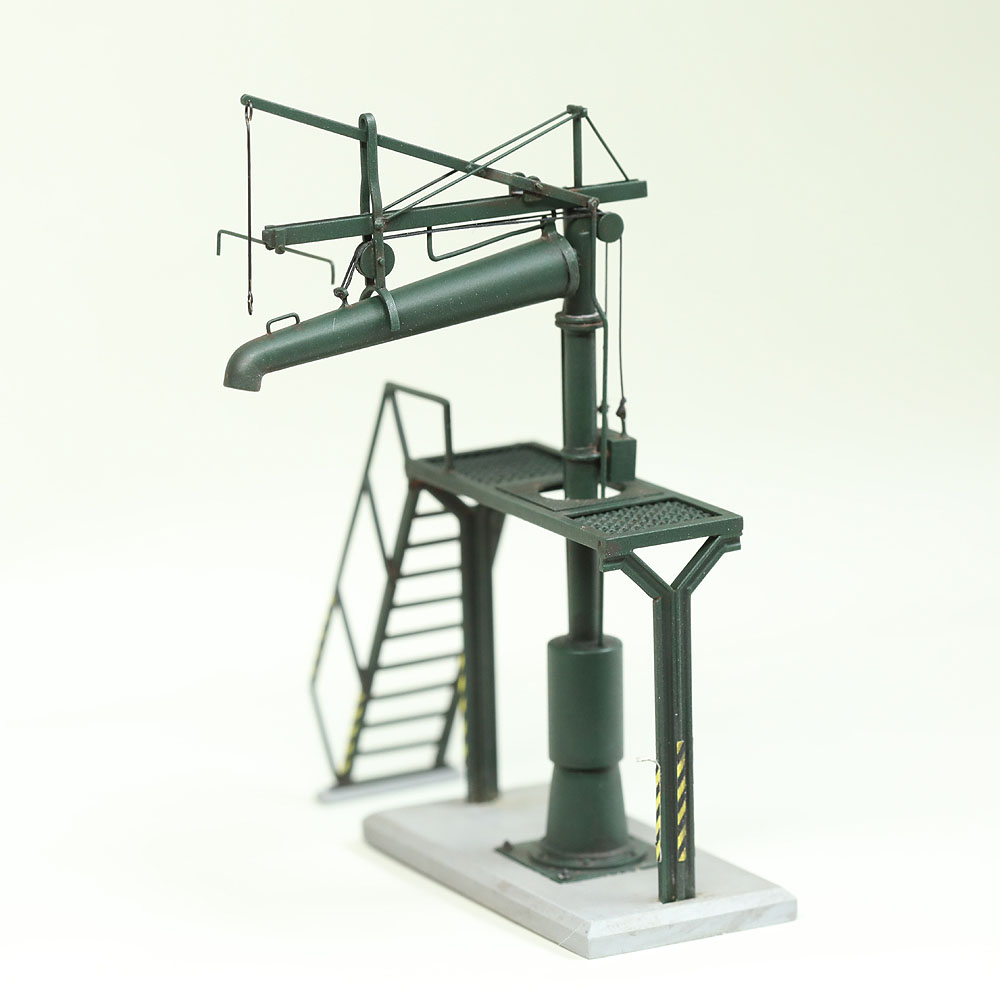 給水柱 作業台付き 緑 :工房ナナロクニ 塗装済完成品 1/80(HO) 1081