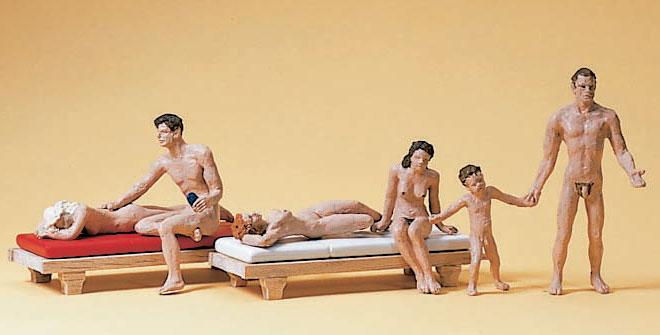 ヌーディストビーチの人たち :プライザー 塗装済完成品 HO(1/87) 10439