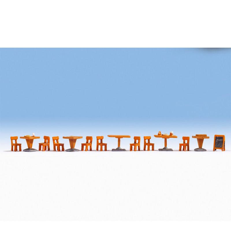 レストラン小物セット(イス、テーブル) :ノッホ 塗装済完成品 HO(1/87) 14822