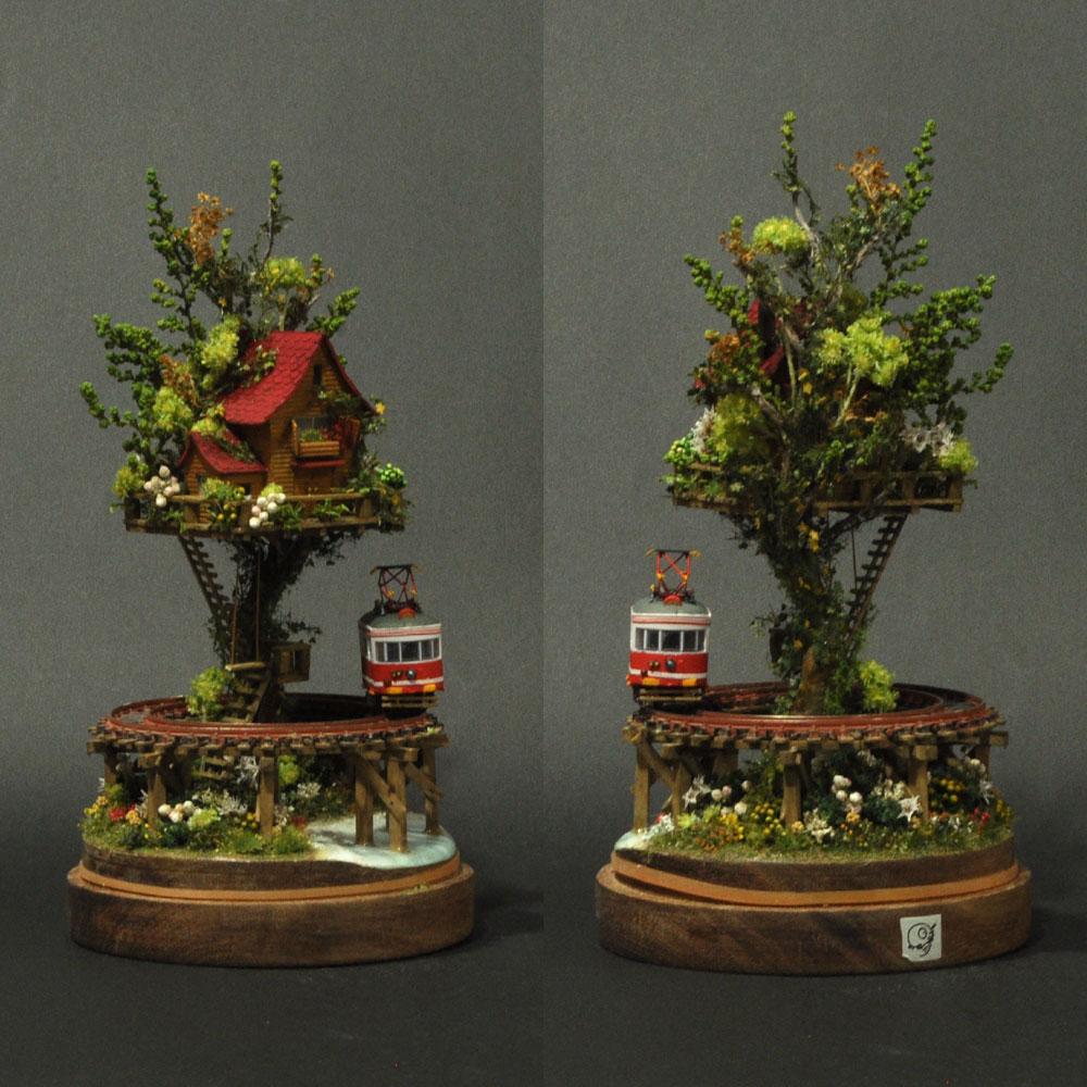 ツリーハウスライン#8 「赤い電車と湖畔の赤いツリーハウス」 :石川宜明 塗装済完成品 1/150サイズ