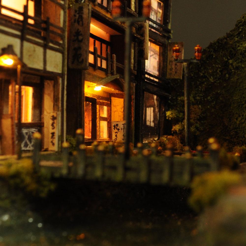 90ミリキューブミニチュア 「川のある温泉街」 :太郎 塗装済完成品 ノンスケール