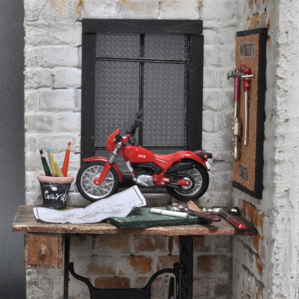 男の趣味部屋 :佐藤千寿子 Sugarhouse 塗装済完成品 1/12スケール
