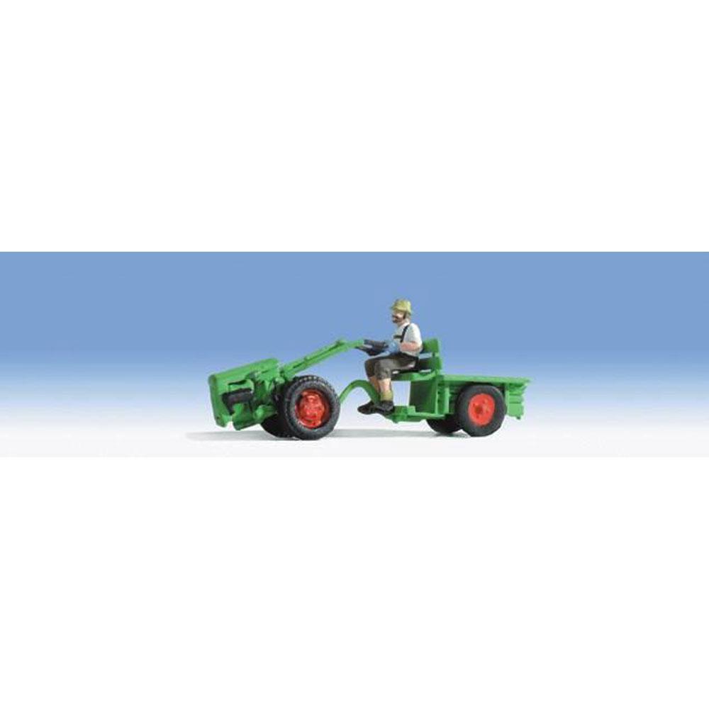 トラクターと農夫 :ノッホ 塗装済完成品 N(1/160) 37750