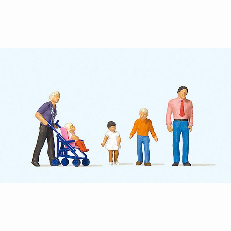 家族で外出(ベビーカーを押すお父さんと子供) :プライザー 塗装済完成品 HO(1/87) 10721