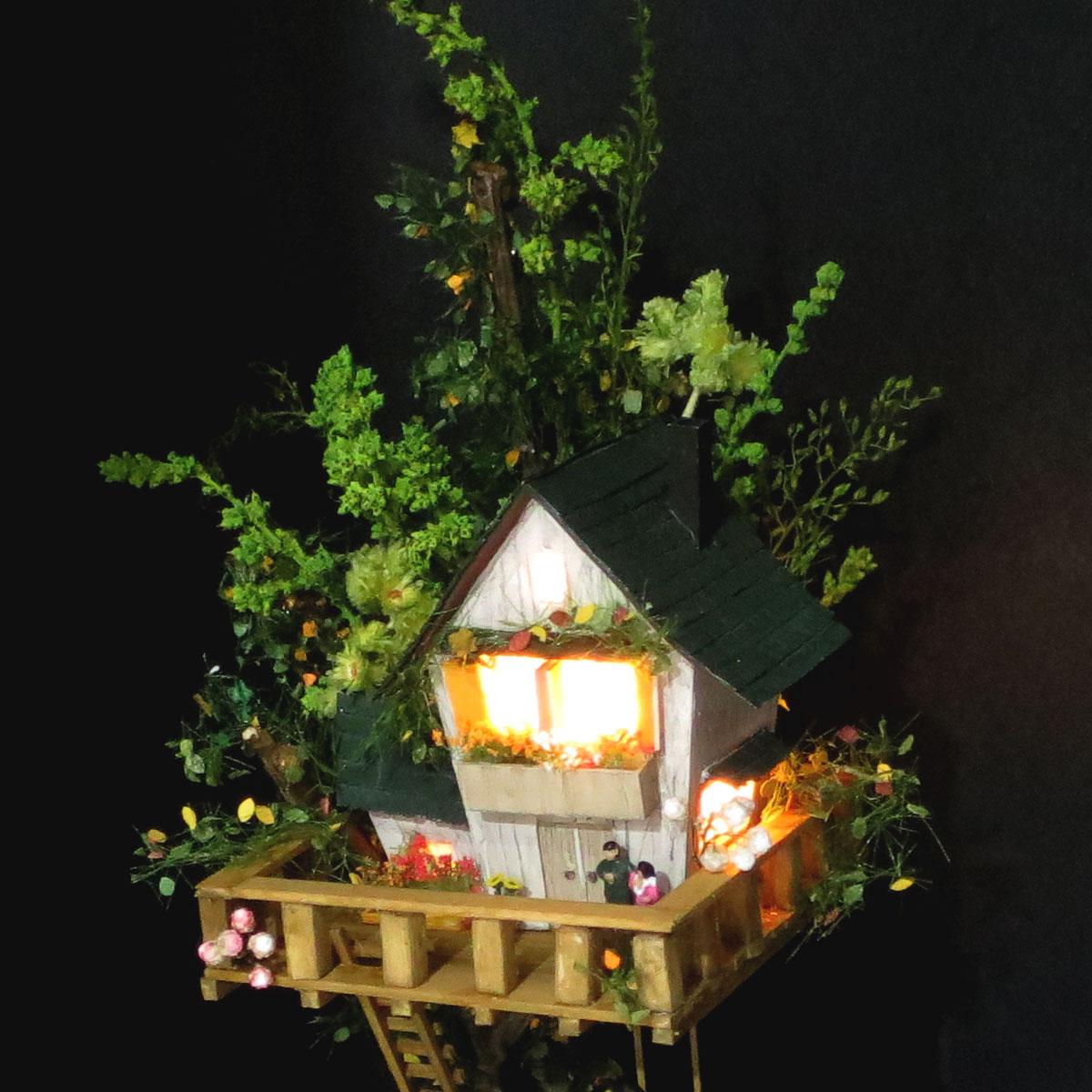 ツリーハウスライン#10 「辛子色の電車と緑のツリーハウス」 :石川宜明 塗装済完成品 1/150サイズ