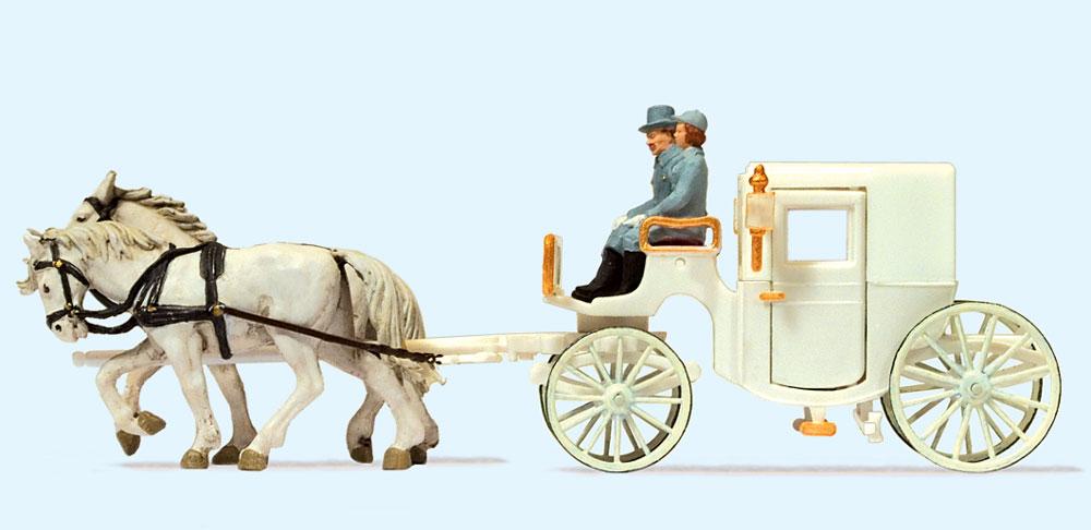 屋根付きのウェディング馬車 :プライザー 塗装済完成品 HO(1/87) 30495