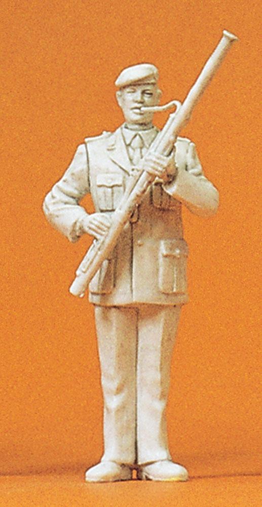 軍楽隊のバスーン(ファゴット)奏者 :プライザー 未塗装キット 1/35 64362