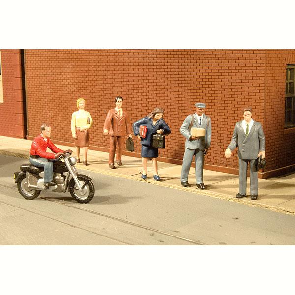 街角の人々とバイク :バックマン 塗装済完成品 HO(1/87) 33101