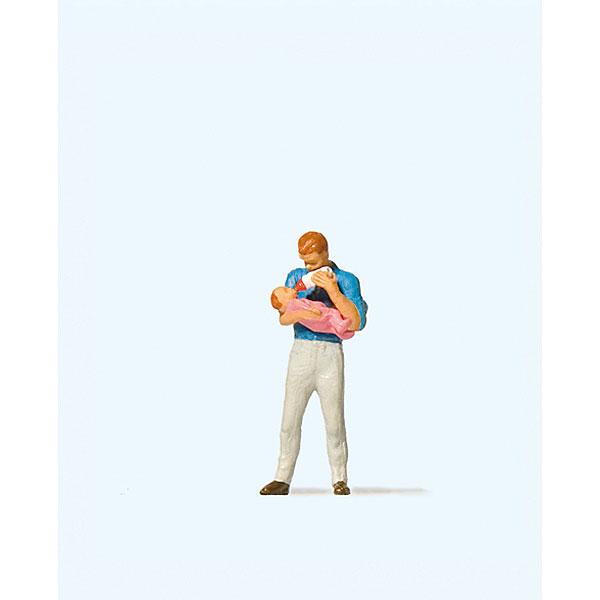 赤ちゃんにミルクをあげるお父さん :プライザー 塗装済完成品 HO(1/87) 28177