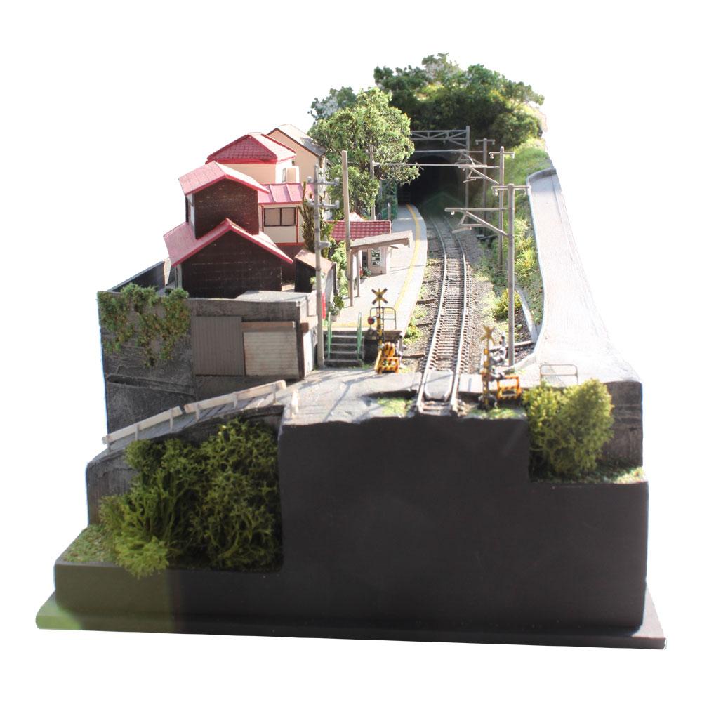 青梅線 白丸駅 :立川伸 塗装済完成品 N(1/150)