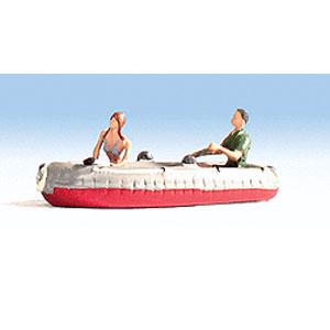 ゴムボートを漕ぐカップル:ノッホ 塗装済み完成品 N(1/160) 37815