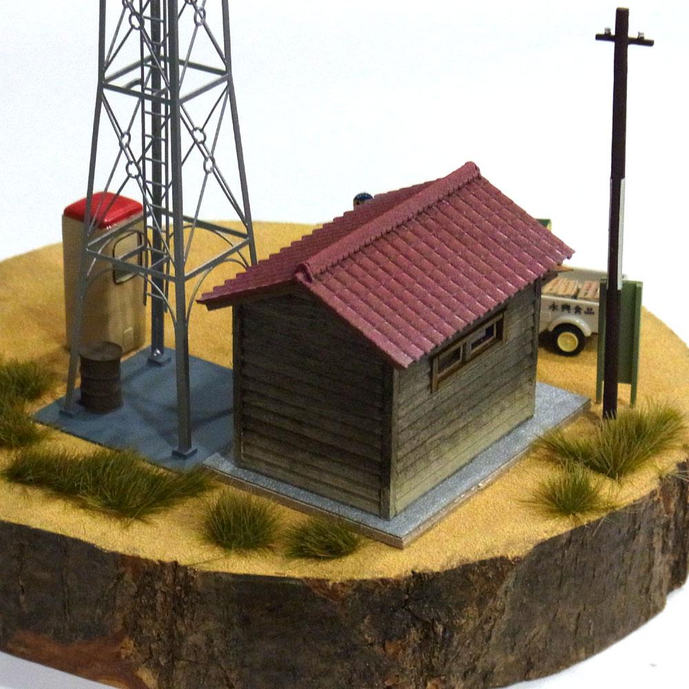 火の見櫓と消防倉庫(情景パーツセット) :伊藤敏男 塗装済完成品 1/80
