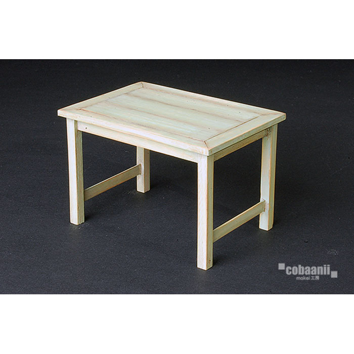 レトロなテーブル :コバーニ 未塗装キット 1/12スケール WF-026