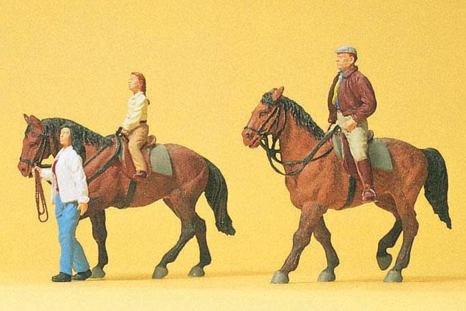 乗馬する人たち :プライザー 塗装済完成品 HO(1/87) 10501