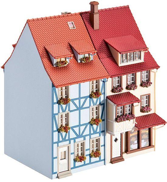村の家2軒 パン屋さん付き :ファーラー 未塗装キット HO(1/87) 130495