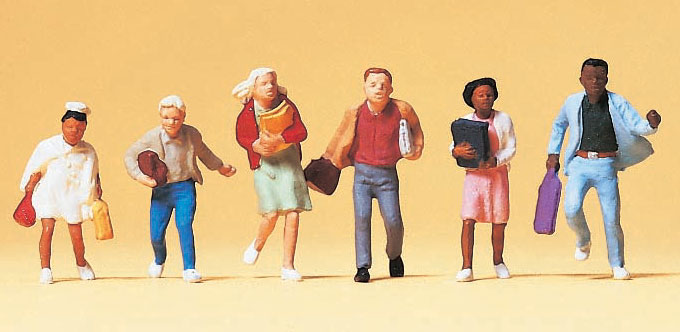 通学中の子供たち :プライザー 塗装済完成品 HO(1/87) 10476