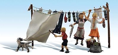 洗濯物干し中のトラブル :ウッドランド 塗装済完成品 HO(1/87) 1936