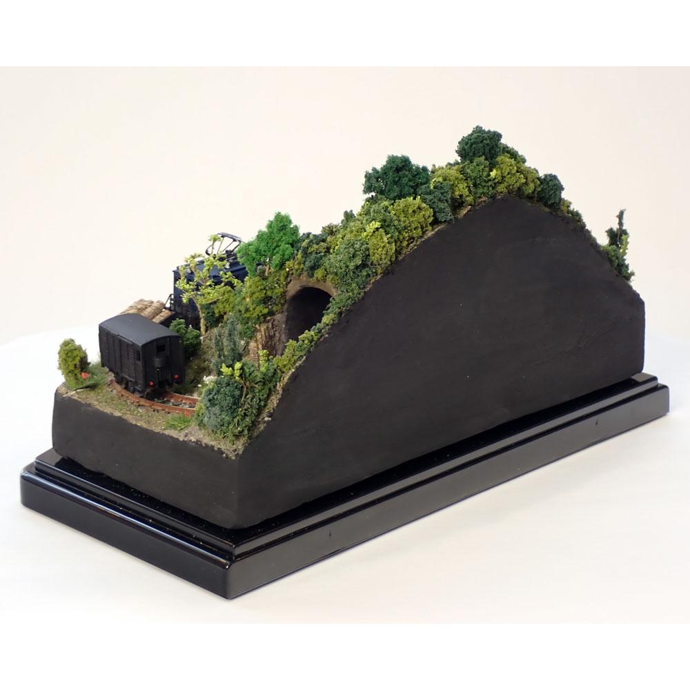 ダイソーケースレイアウト#10 「貨物列車が走るA」 :石川宜明 塗装済完成品 1/150 スケール